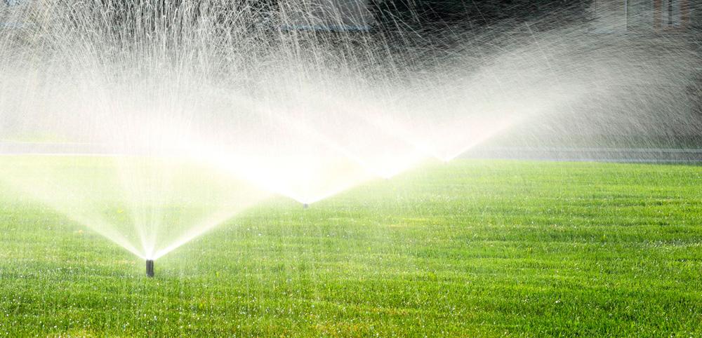 Instalaci n sistemas de riego automatizado en navarra tu for Aspersores para riego de jardin